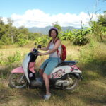 Op scooter in Pai