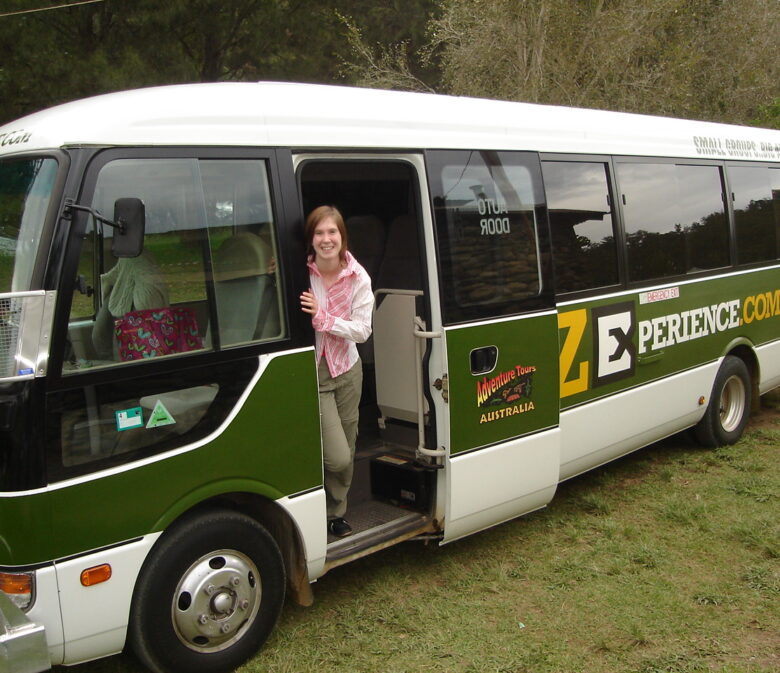 Backpack bus